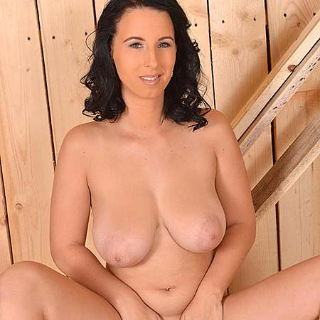 Busty carpenter Chrissy gets nude at her job