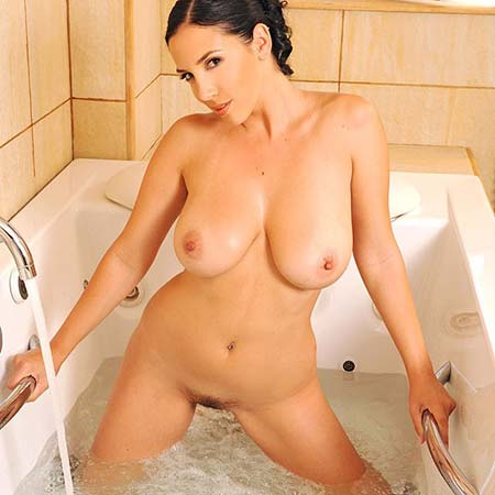 Big titted Jelena Jensen takes a bath