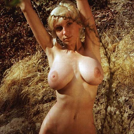 HopelessSoFratic gets naked outdoors