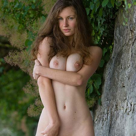 Big boobed Susann is so hot nude by the water