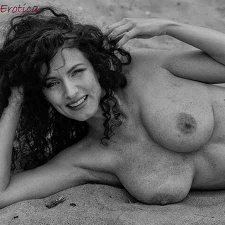 Slender Ruthy Boehm topess at the beach - Nu Erotica