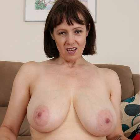 nerdy big tits nude